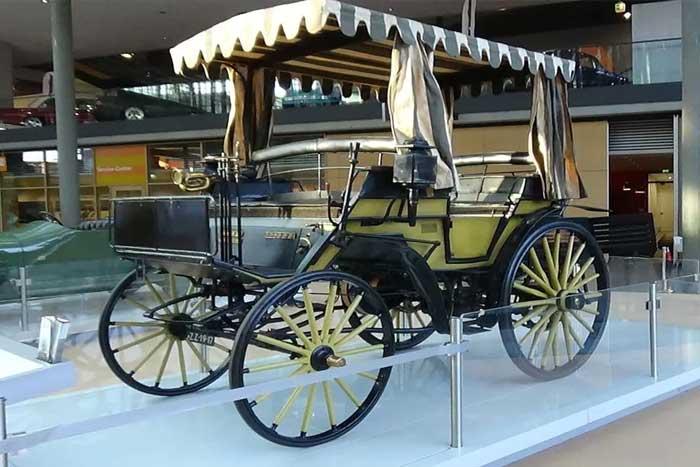 Benz Viktoria mobil pertama di Indonesia